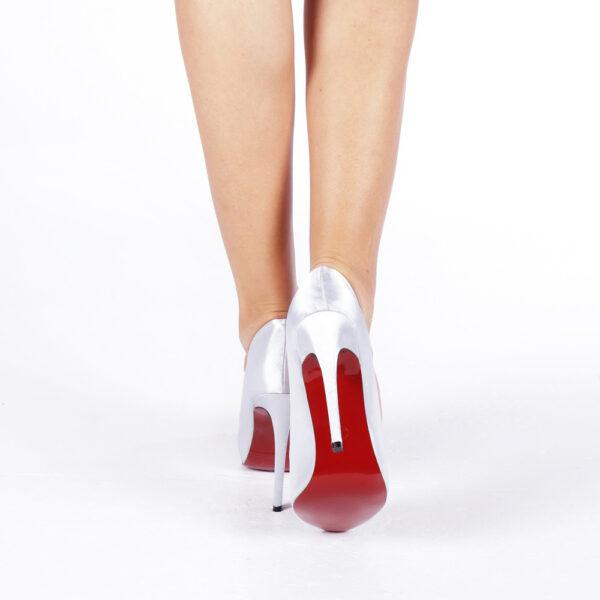 Pantofi albi eleganti cu toc diferite culori