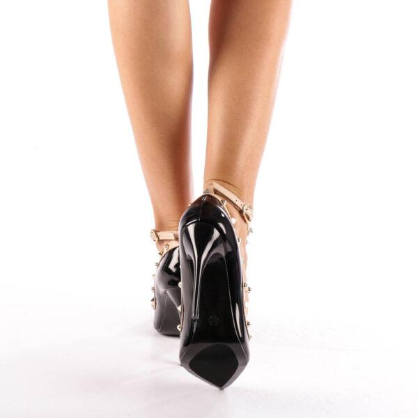 Pantofi negri cu toc si barete cu tinte