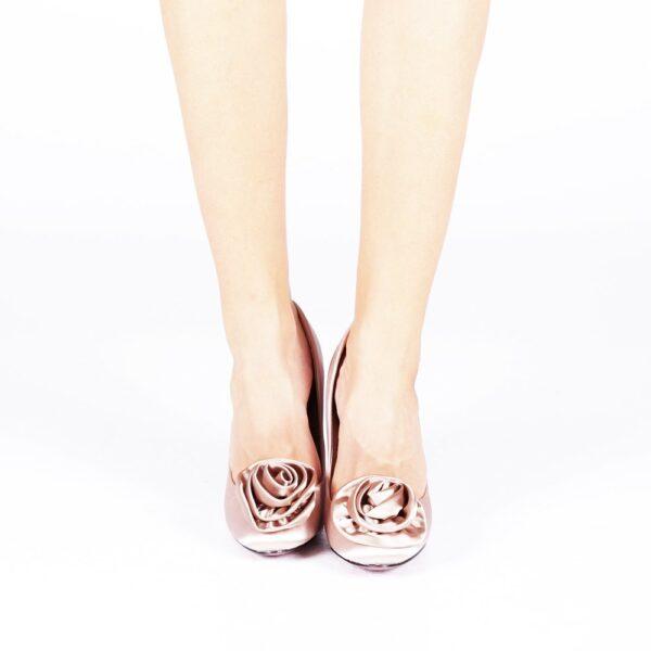 Pantofi roz eleganti cu toc
