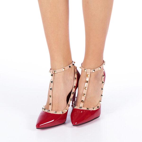 Pantofi stileto rosii cu toc si barete cu tinte