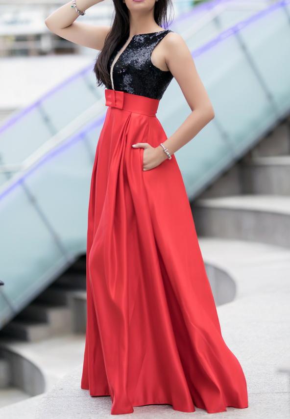 Rochie rosie din satin si paiete