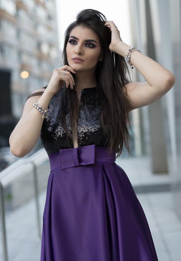 Rochie violet din satin si paiete
